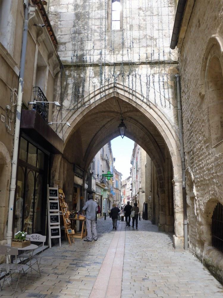Una delle antiche porte di Apt