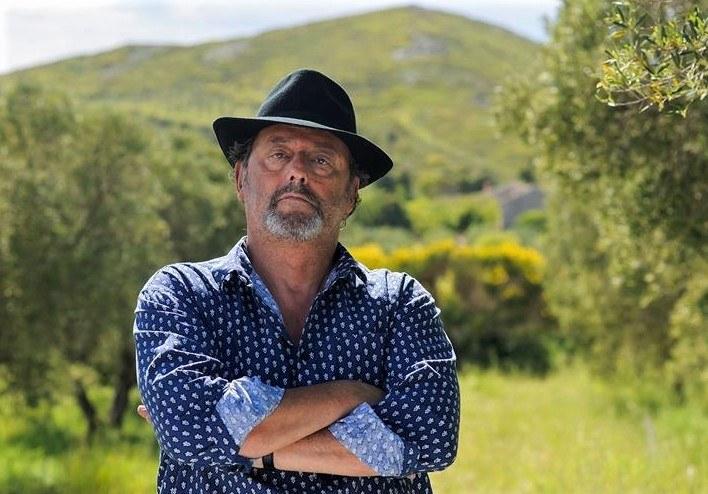 Un'estate in Provenza, il protagonista Jean Reno