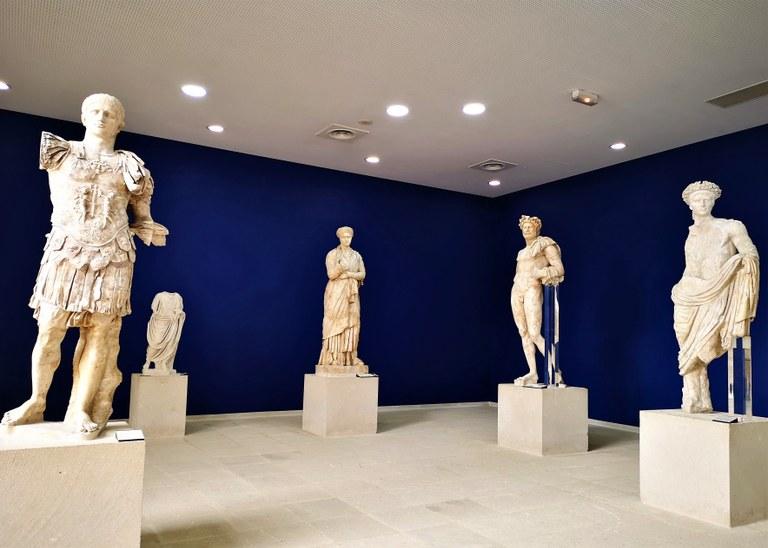 Vaison-la-Romaine, statue imperiali, museo Théo Desplans