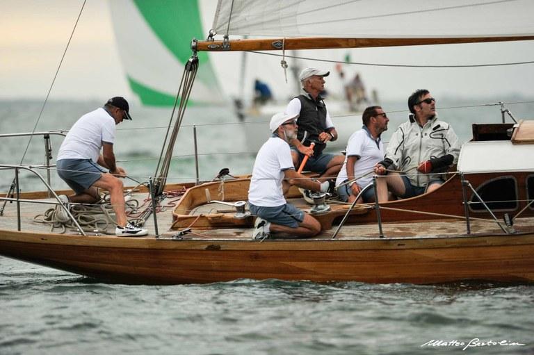 Venezia, equipaggio alle cime durante il V Trofeo Principato di Monaco - @ Matteo Bertolin