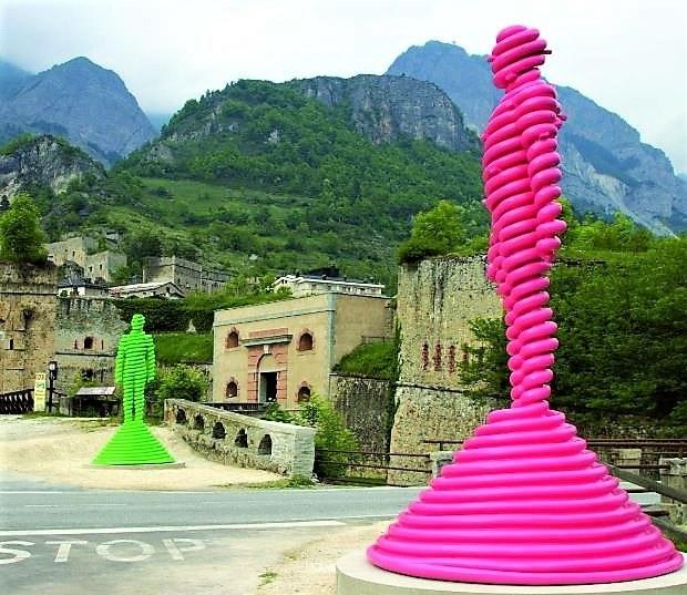 Viapac, I Giganti, di David Mach © Alpes-de-Haute-Provence Tourisme