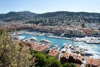 Porto di Nizza visto dalla collina - Foto: © A. Issock, OTC Nice
